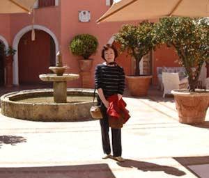 アンティーブのホテル中庭.jpg