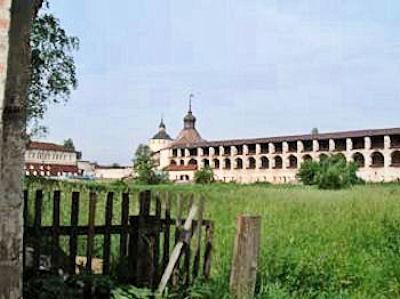 白湖の聖キリル修道院.jpg